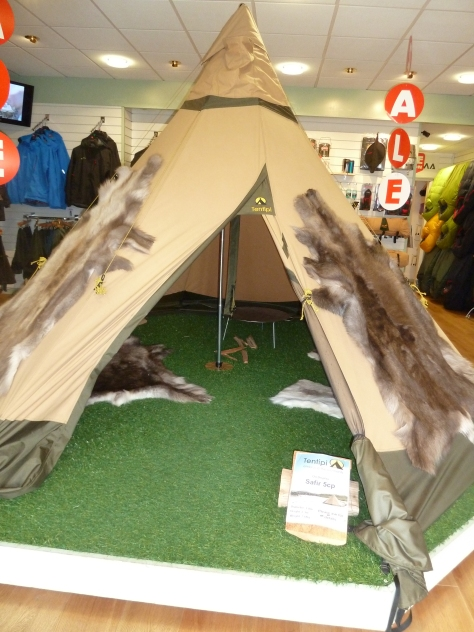 I want this Tipi :)
