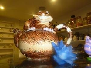 A Cheshire Cat Teapot.
