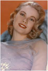 Grace Kelly plays socialite  Tracy lord.