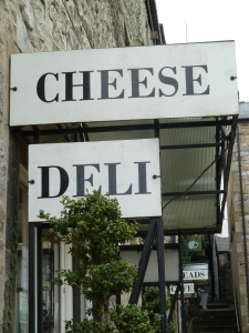 We headed over to a hidden gem, Cheesie Tchaikovsky Cheese Deli which you reach down a ginnel off the main street.