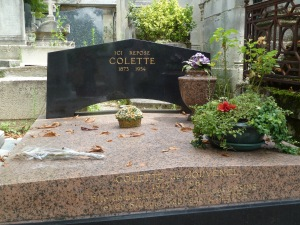 Colettes grave is said to be guarded at night by the cemetery cats.