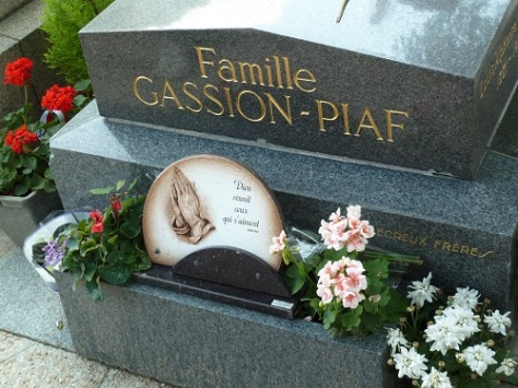 The grave of French singer Edith Piaf. She is interred here with her family.