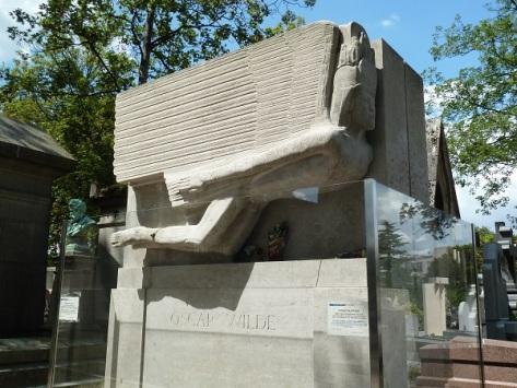Oscar Wildes tomb.