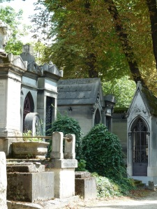 The avenues of mausoleums reminded me of actual olde worlde streets.