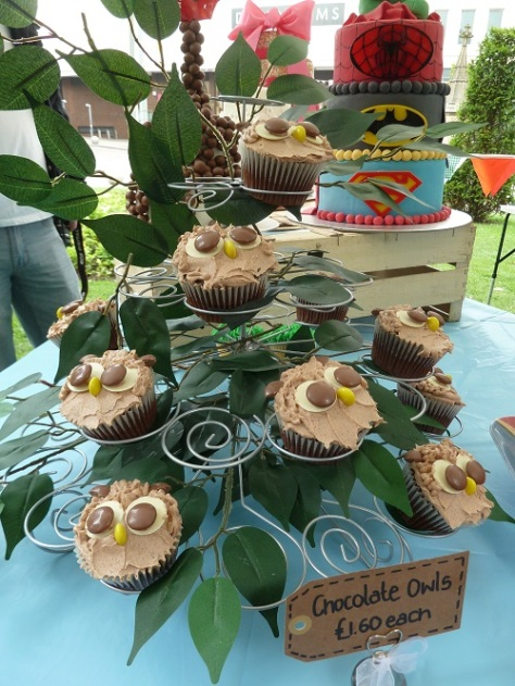 Cute owl cupcakes. :)