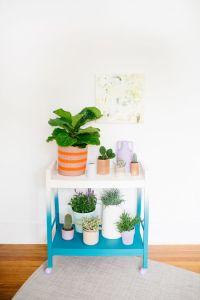 Pretty plant stand.